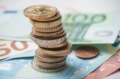 Moneta banknoty w euro pieniądze i stos obraz stock