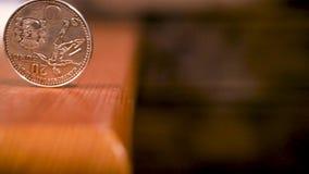 Moneta commemorativa d'argento Spagna 2010 dell'euro 20 - coppa del Mondo di Fifa stock footage