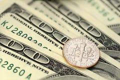 Moneta del centesimo di Stati Uniti della moneta da dieci centesimi di dollaro Fotografie Stock Libere da Diritti