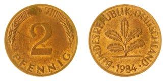 2 moneta del pfennig 1984 isolata su fondo bianco, Germania Fotografia Stock Libera da Diritti