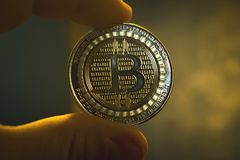 Moneta dorata di Bitcoin, concetto di cryptocurrency, concetto del mercato del bitcoin, cryptocoins Fotografie Stock