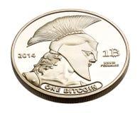 Moneta dorata di Bitcoin isolata su bianco Fotografie Stock Libere da Diritti