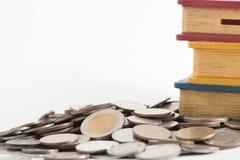 Moneta e salvadanaio tailandesi Immagine Stock Libera da Diritti