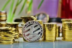 Moneta fisica d'argento di Litecoin fotografia stock libera da diritti