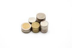 Moneta tailandese di valuta del bagno su fondo bianco Fotografie Stock