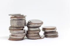 Moneta, Tajlandzka waluta w tle i odizolowywająca Fotografia Royalty Free