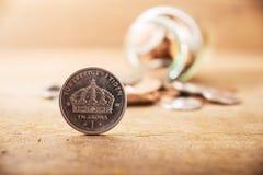 Monete d'argento della pila alta vicina dell'annata Immagini Stock Libere da Diritti