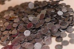Monete d'argento ucraine Piramide di soldi Immagini Stock