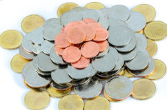 Monete di baht tailandese isolate sopra fondo bianco Immagine Stock Libera da Diritti