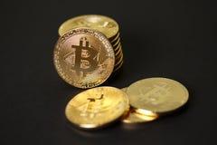 Monete di oro del bitcoin cripto di valuta Fotografie Stock Libere da Diritti