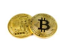 Monete dorate del bitcoin isolate su un fondo bianco Immagine Stock Libera da Diritti
