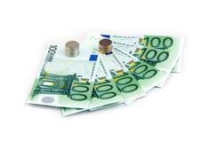 Monete russe e centinaia euro fotografia stock