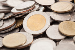 Monete tailandesi di baht Immagini Stock