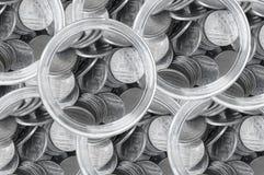 Monety i butelka odgórny widok, Tajlandzkiego bahta monety oszczędzania tło Obraz Stock
