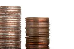 monety wypiętrzają z ukosa qurters biel Zdjęcie Royalty Free