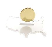 美国国家(地区)形状作为与一枚金黄硬币的一moneybox 免版税库存照片