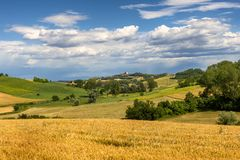 Monferrato Ιταλία, αγροτικό τοπίο στοκ εικόνα με δικαίωμα ελεύθερης χρήσης