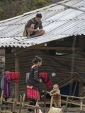 Mong种族家庭在Dien Bien 库存图片