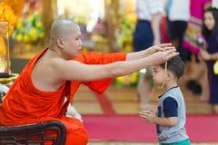 Monge budista Blessing fotos de stock