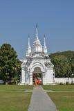Monge de Buddist no templo Foto de Stock Royalty Free