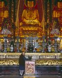 Monge e Buddha Imagens de Stock Royalty Free