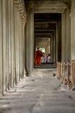 Monge em Angkor Wat foto de stock royalty free