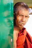 Monge em Yangon Imagens de Stock Royalty Free