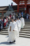 Monge no santuário de Fushimi Inari Taisha Fotografia de Stock