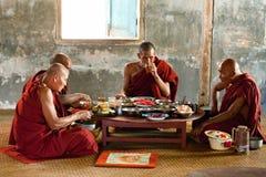 Monges novas, Myanmar Fotos de Stock Royalty Free