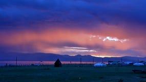 Mongolia Początek zła pogoda w terenie jeziorny Hovsgol blisko wioski khankh Zdjęcie Stock