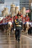 Mongolische Kavallerie in traditioneller Uniform 1 Stockbilder