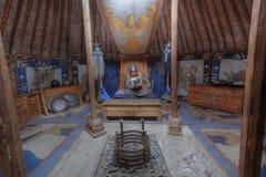 Mongolischer Krieger in seinem Ger stockbild