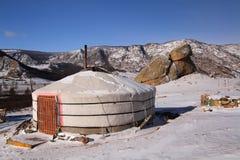 Mongolischer yurt und Schildkrötenfelsen Stockfotografie