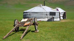 Mongoliska ger campar med solenergi arkivfilmer