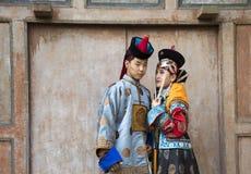 Mongolski mężczyzna w tradycyjnym stroju zdjęcie royalty free