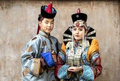 Mongolski mężczyzna w tradycyjnym stroju fotografia stock