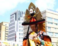 Mongolski mnich buddyjski w kostiumu przy tradycyjnym Cham tanem Zdjęcie Royalty Free