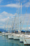 moniga在湖加尔达,意大利的del加尔达港  库存照片