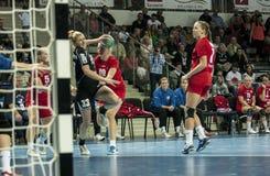 Monika Koprowska (Pogon Baltica Szczecin) tire un but pendant H Photo stock