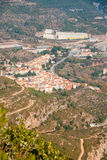 Monistrol de Μοντσερράτ το χωριό κάτω από το μοναστήρι, Ισπανία Στοκ φωτογραφίες με δικαίωμα ελεύθερης χρήσης