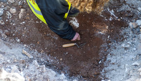 Moniteur d'archéologue le secteur d'excavation Photographie stock libre de droits
