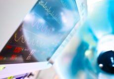 Moniteur médical et lampe chirurgicale Images stock