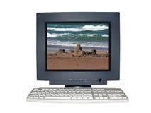 Monitor aislado del ordenador con concepto de la escena de las vacaciones imágenes de archivo libres de regalías