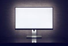 Monitor in bianco con la lampadina fotografie stock