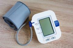 Monitor da pressão sanguínea de Digitas Foto de Stock