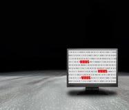 Monitor de computadora con la pantalla del virus imágenes de archivo libres de regalías