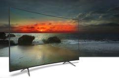 Monitor 4k auf Weiß Stockbild