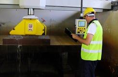 Monitor machinaal gesneden marmeren steen Stock Foto's