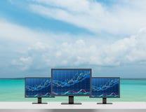 Monitor três com carta Foto de Stock