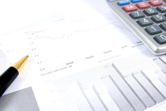 Monitoração dos relatórios de negócio Fotos de Stock